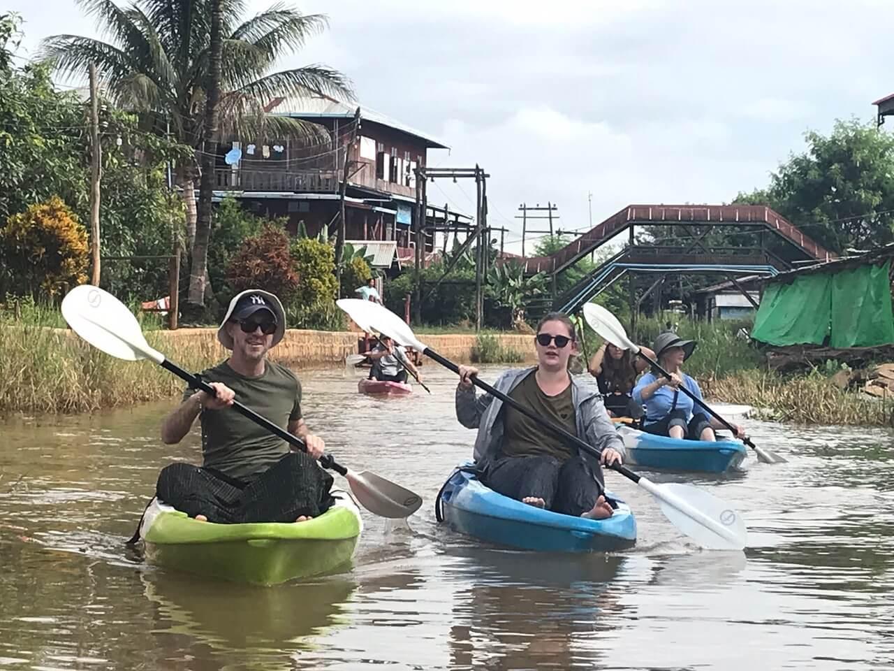 Pływanie kajakami w Birmie
